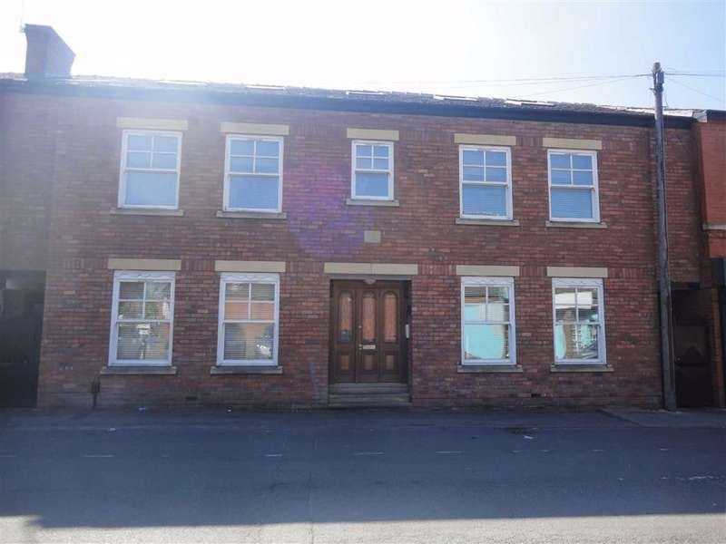 2 Bedrooms Apartment Flat for rent in Chapel Mews, Cheadle