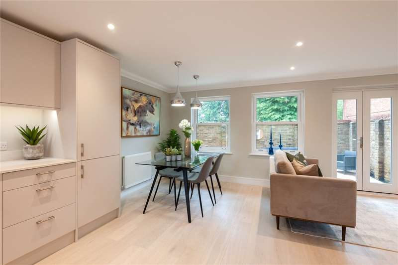 Flat for sale in Station Road, Bourne End, Buckinghamshire, SL8