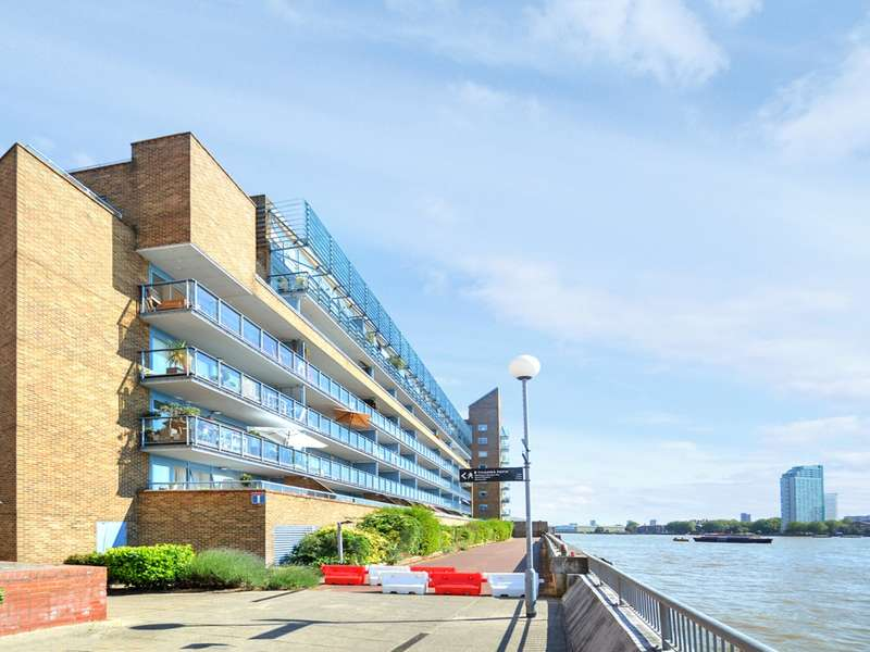 2 Bedrooms Flat for rent in Arnhem Place, Canary Wharf E14