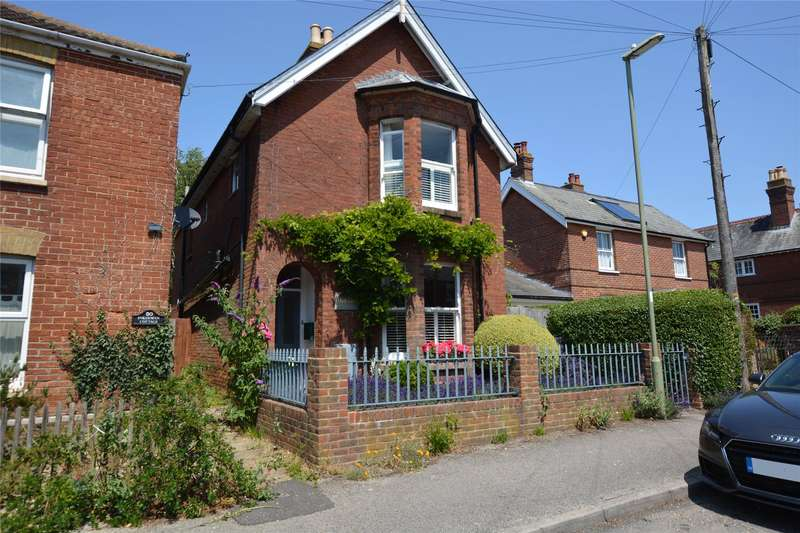 3 Bedrooms Detached House for sale in Middle Road, Lymington, Hampshire, SO41