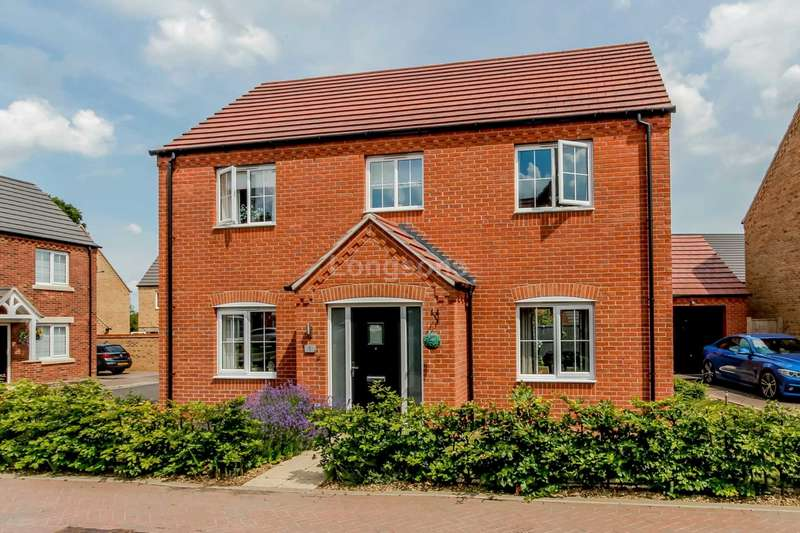 4 Bedrooms Detached House for sale in Rowe Place, Swaffham