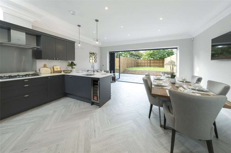 4 Bedrooms Terraced House for sale in Walsingham Terrace, Portsmouth Road, Thames Ditton, KT7