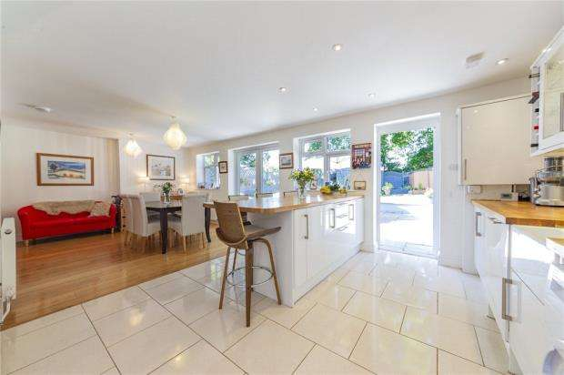 4 Bedrooms Semi Detached House for sale in Waverley Road, Reading, Berkshire