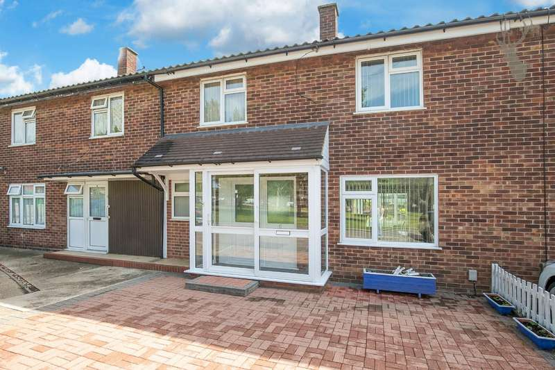 3 Bedrooms Terraced House for sale in Staggart Green, Chigwell