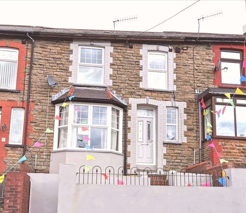 3 Bedrooms Property for sale in Tynybedw Terrace, Treorchy