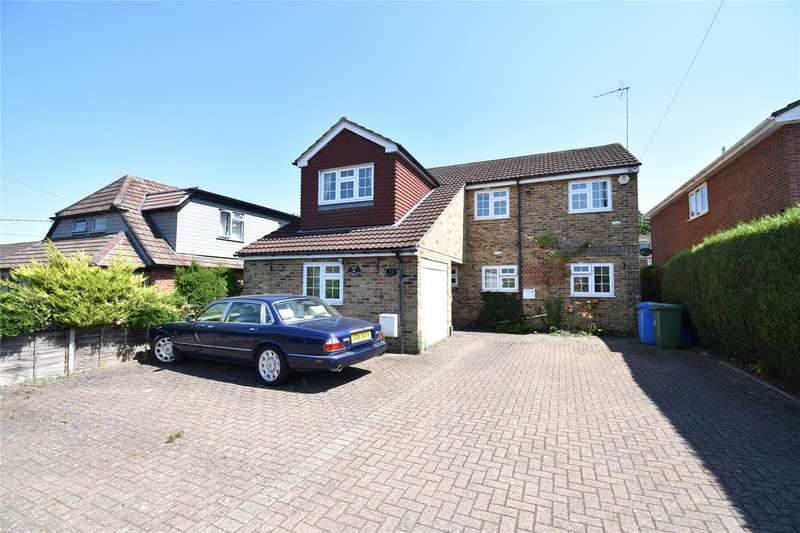 5 Bedrooms Detached House for sale in Sandy Lane, Farnborough, Hampshire, GU14