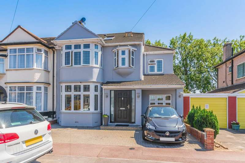 6 Bedrooms House for sale in Westrow Drive, Barking, IG11