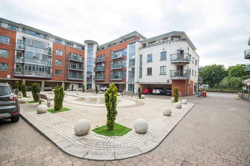 2 Bedrooms Apartment Flat for sale in New Street, City Centre, Chelmsford, CM1