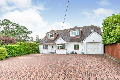 5 Bedrooms Detached House for sale in West Moors, Ferndown, Dorset