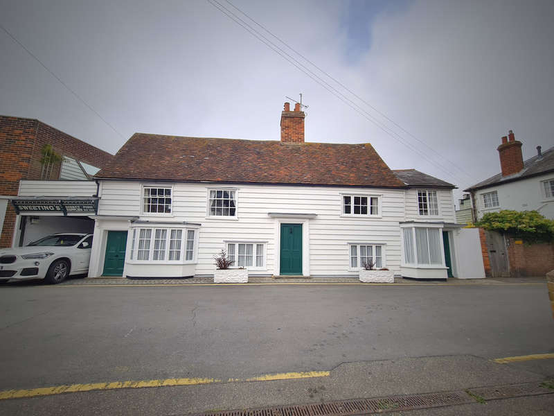 4 Bedrooms Detached House for sale in Shore Road, Burnham-on-Crouch