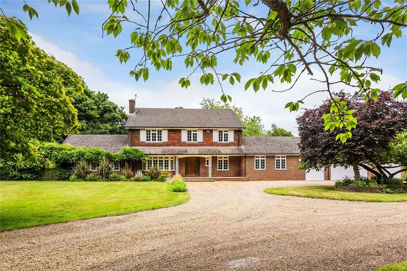 5 Bedrooms Detached House for sale in Breech Lane, Walton on the Hill, Tadworth, Surrey, KT20