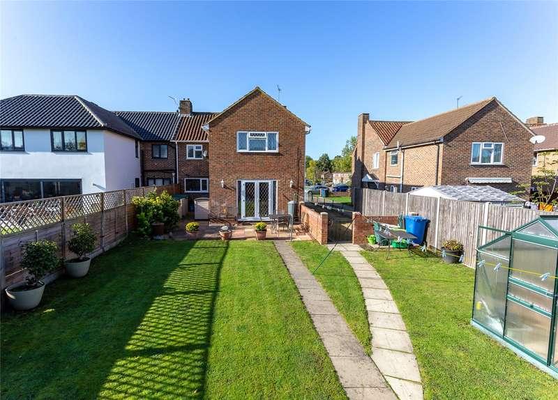 4 Bedrooms Semi Detached House for sale in Peel Close, Windsor, Berkshire, SL4 3NP