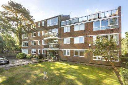 3 Bedrooms Flat for sale in Lincoln Lodge, Court Downs Road, Beckenham