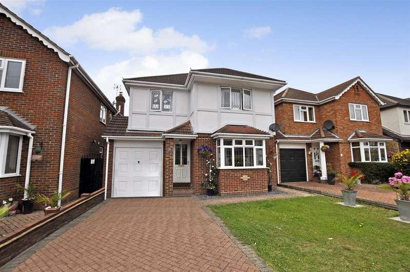 4 Bedrooms Detached House for sale in Westwater, Benfleet