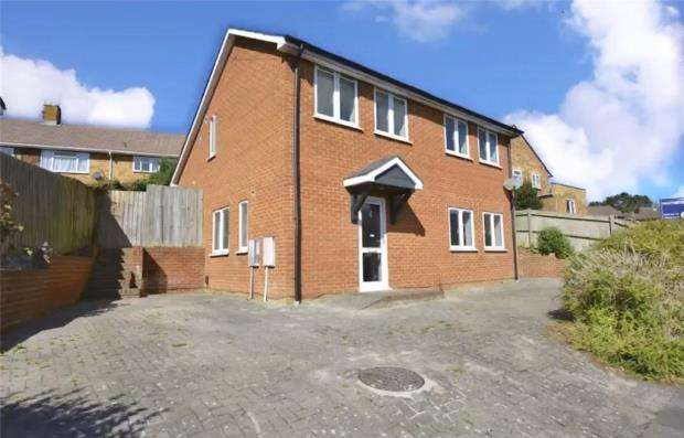 3 Bedrooms Detached House for sale in Wolfe Close, Winchester, Hampshire