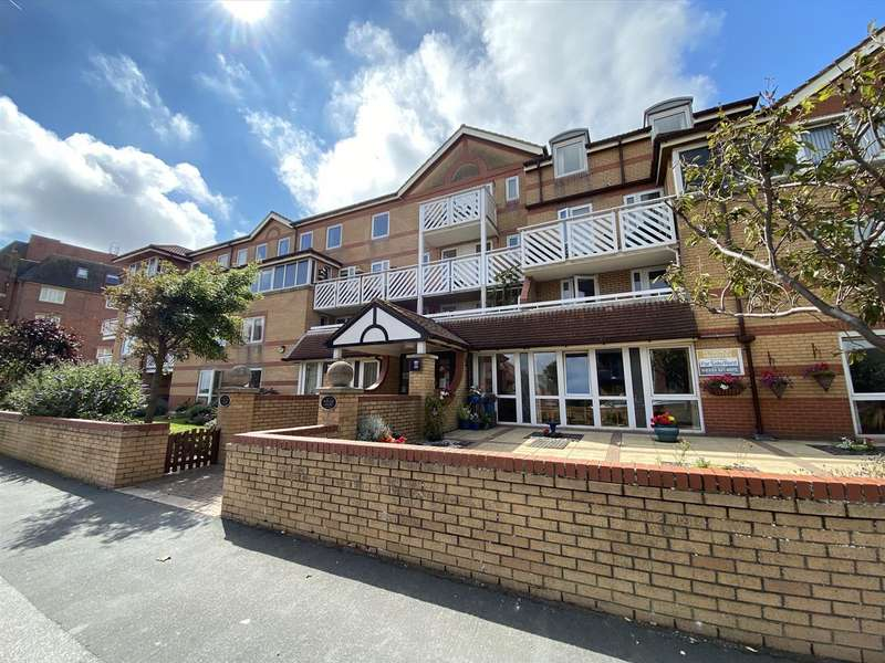 1 Bedroom Retirement Property for sale in Poplar Court, Kings Road, St. Annes