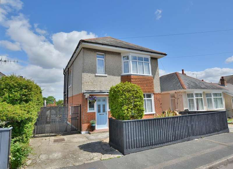 3 Bedrooms Detached House for sale in Burcombe Road, Bournemouth, BH10 5JT