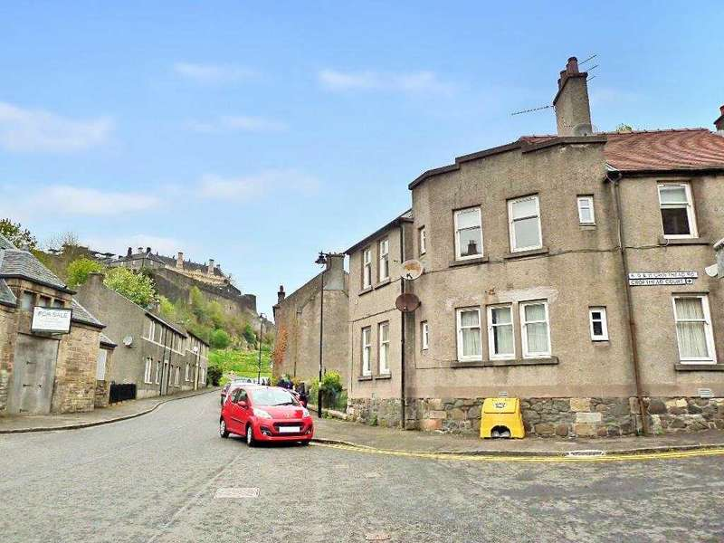 3 Bedrooms Flat for rent in Lower Castlehill, Stirling