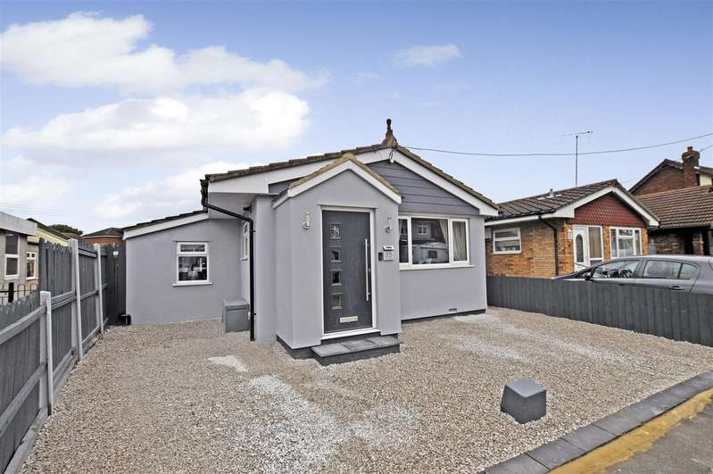 2 Bedrooms Detached Bungalow for sale in Thisselt Road, Canvey Island