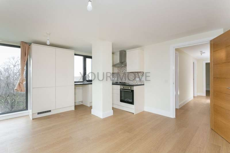 3 Bedrooms Flat for rent in High Road, Ilford, IG1