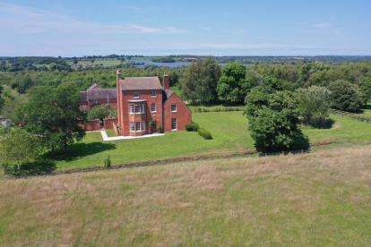 5 Bedrooms Detached House for sale in Main Street, Swepstone, Leicestershire, England