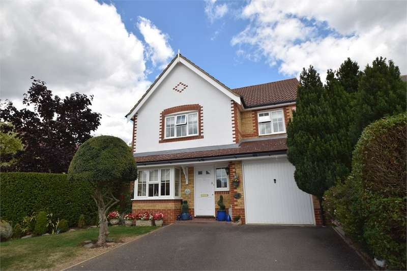 4 Bedrooms Detached House for sale in Lambourn Avenue, Stone Cross