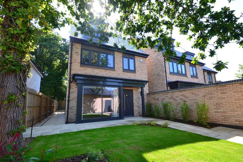 4 Bedrooms Detached House for sale in Branksome Park