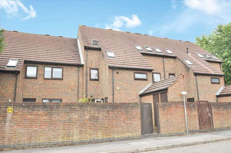 2 Bedrooms Terraced House for sale in Kategrove Lane, Reading