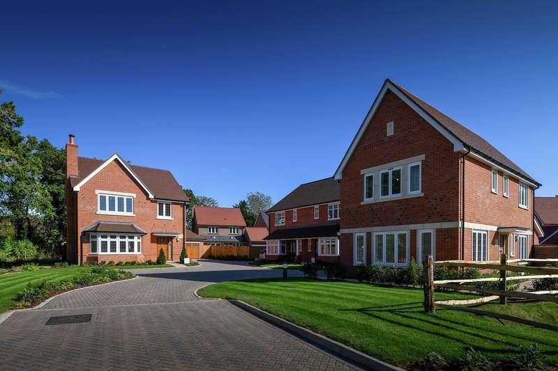 4 Bedrooms Detached House for sale in Leighwood Fields, Cranleigh, Surrey, GU6