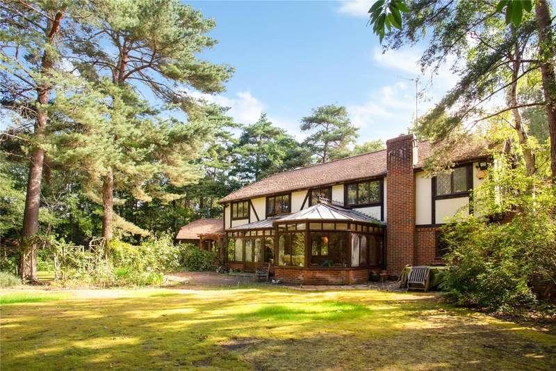 5 Bedrooms Detached House for sale in Elvetham Road, Fleet, Hampshire, GU51