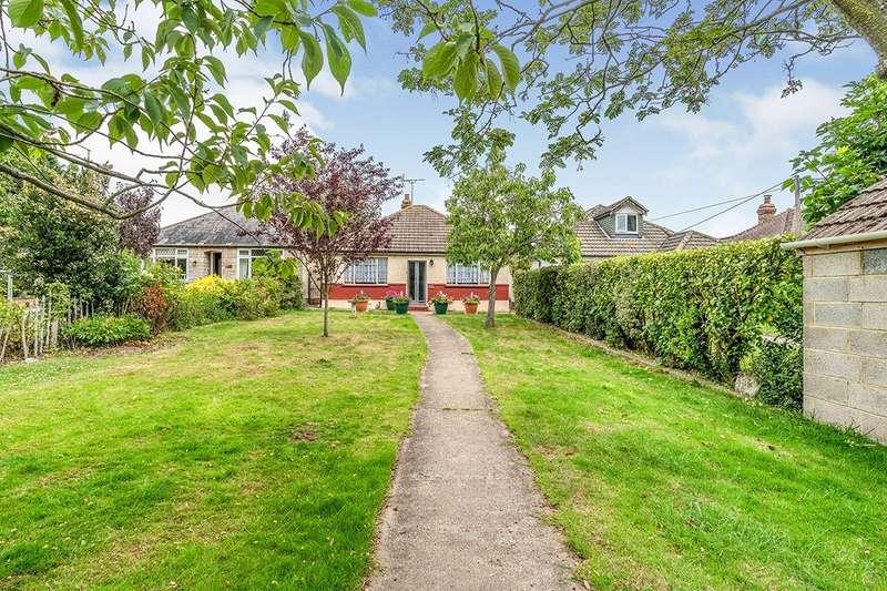 2 Bedrooms Detached Bungalow for sale in Grange Road, Gillingham, Kent, ME7