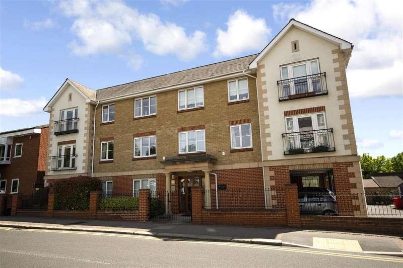 2 Bedrooms Apartment Flat for sale in Pegasus Court, Victoria Road, Buckhurst Hill
