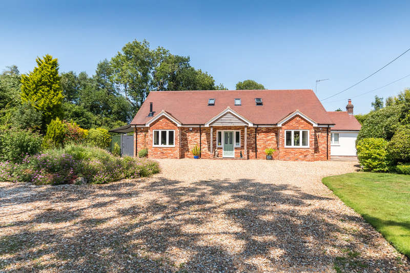 5 Bedrooms Chalet House for sale in North Gorley, New Forest