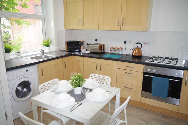 House Share for rent in Edge Lane, Oldham