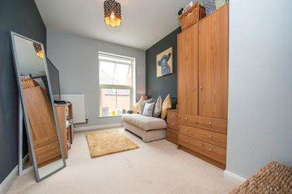 2 Bedrooms Flat for sale in Coachmans Court, Station Road, Moreton-in-Marsh