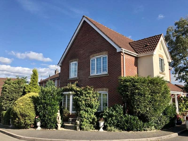 4 Bedrooms Detached House for sale in Aintree Avenue, Sheffield, Derbyshire, S21