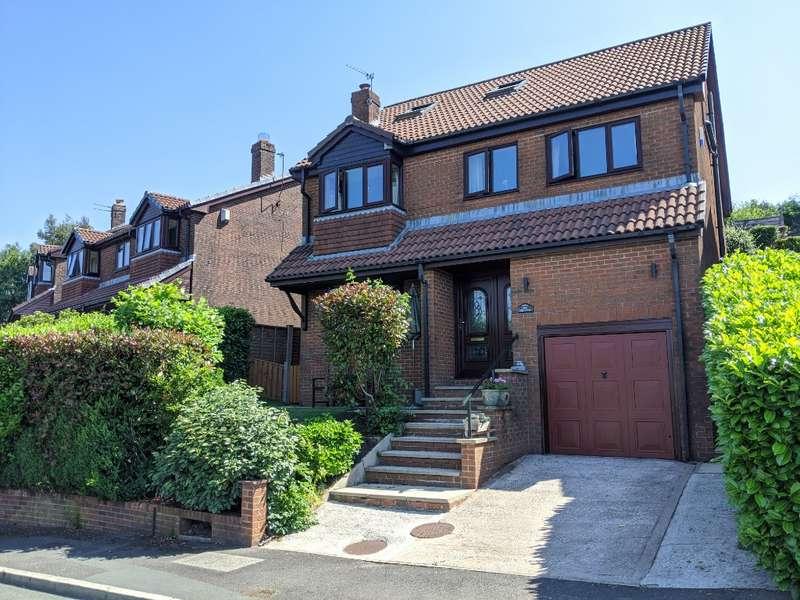 5 Bedrooms Detached House for sale in Dellhide Close, Springhead, Saddleworth, OL4 4PJ