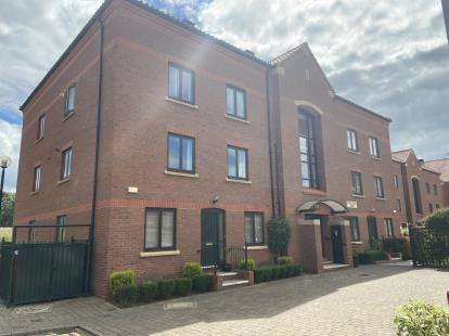 3 Bedrooms Flat for sale in Castle Dyke Wynd, Yarm, Stockton-On-Tees