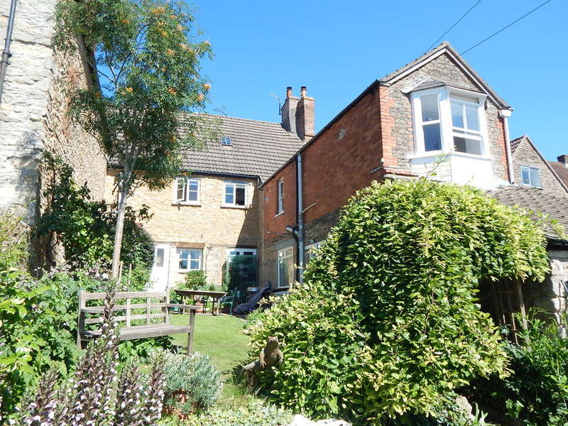 3 Bedrooms Terraced House for sale in High Street, Bruton