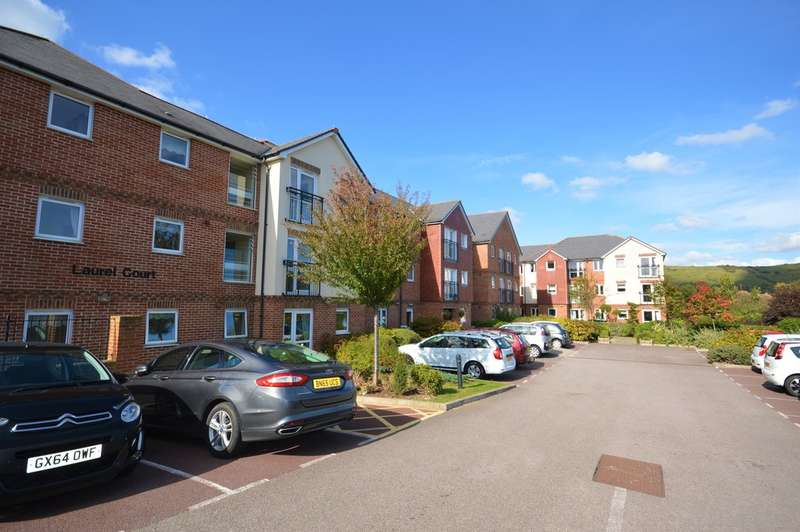 2 Bedrooms Flat for sale in Laurel Court, Stanley Road, Cheriton, Folkestone