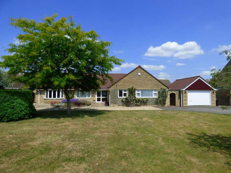 3 Bedrooms Property for sale in Roman Way, Lechlade