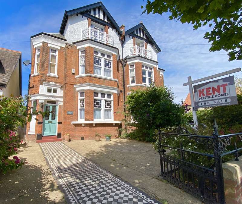 5 Bedrooms Semi Detached House for sale in Station Road, Herne Bay