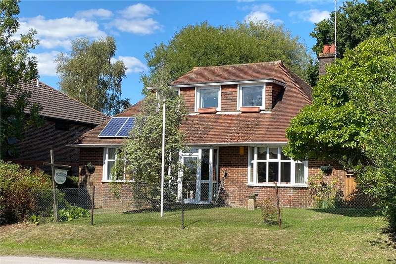 5 Bedrooms Detached Bungalow for sale in Station Road, Petersfield, Hampshire, GU32