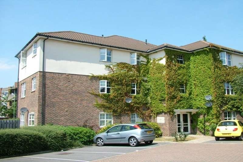 2 Bedrooms Apartment Flat for sale in Newbury Close, Dartford, Kent, DA2