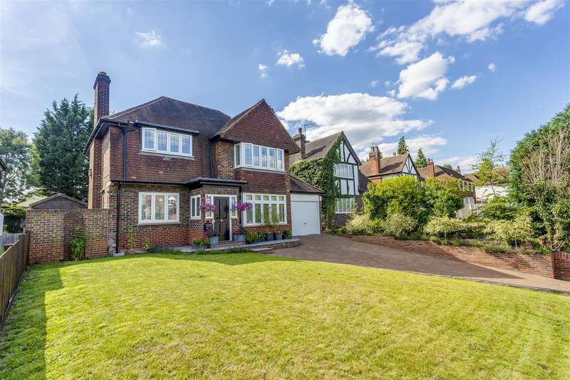 3 Bedrooms Detached House for sale in Brighton Road, Banstead
