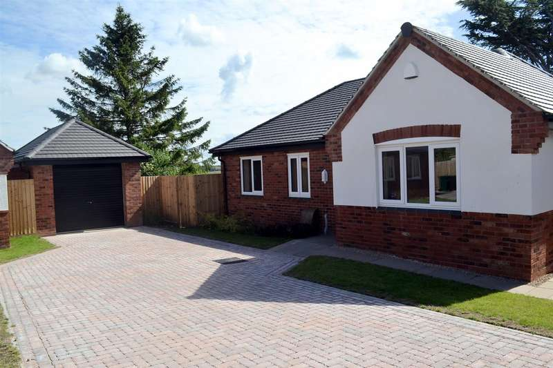 3 Bedrooms Detached Bungalow for sale in Burton Road, Midway, Swadlincote
