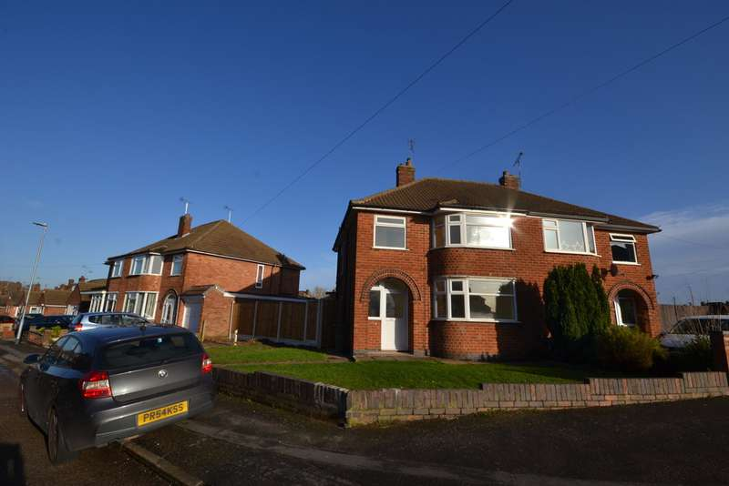 3 Bedrooms Semi Detached House for rent in Chislehurst Avn , Braunstone Town , Leicester LE3
