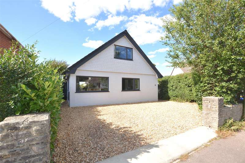 3 Bedrooms Detached Bungalow for sale in Ellery Grove, Lymington, Hampshire, SO41