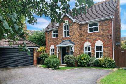 5 Bedrooms Detached House for sale in Saxon Way, Bradley Stoke, Bristol, Gloucestershire