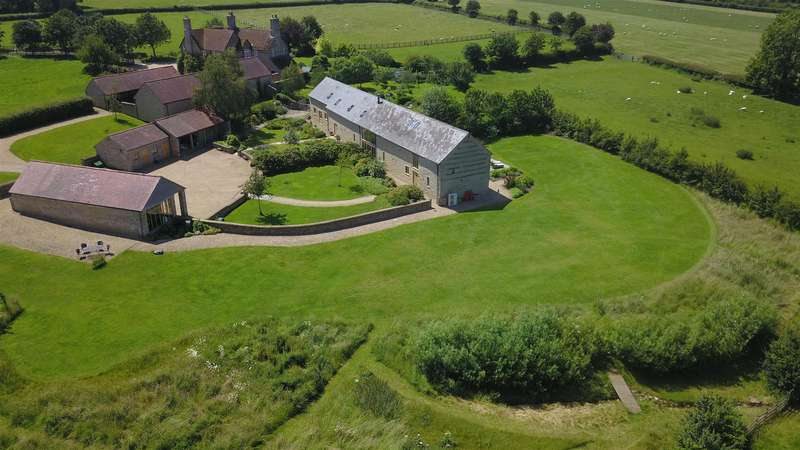 4 Bedrooms Barn Conversion Character Property for sale in Church Street, Helmdon, Brackley, Northamptonshire